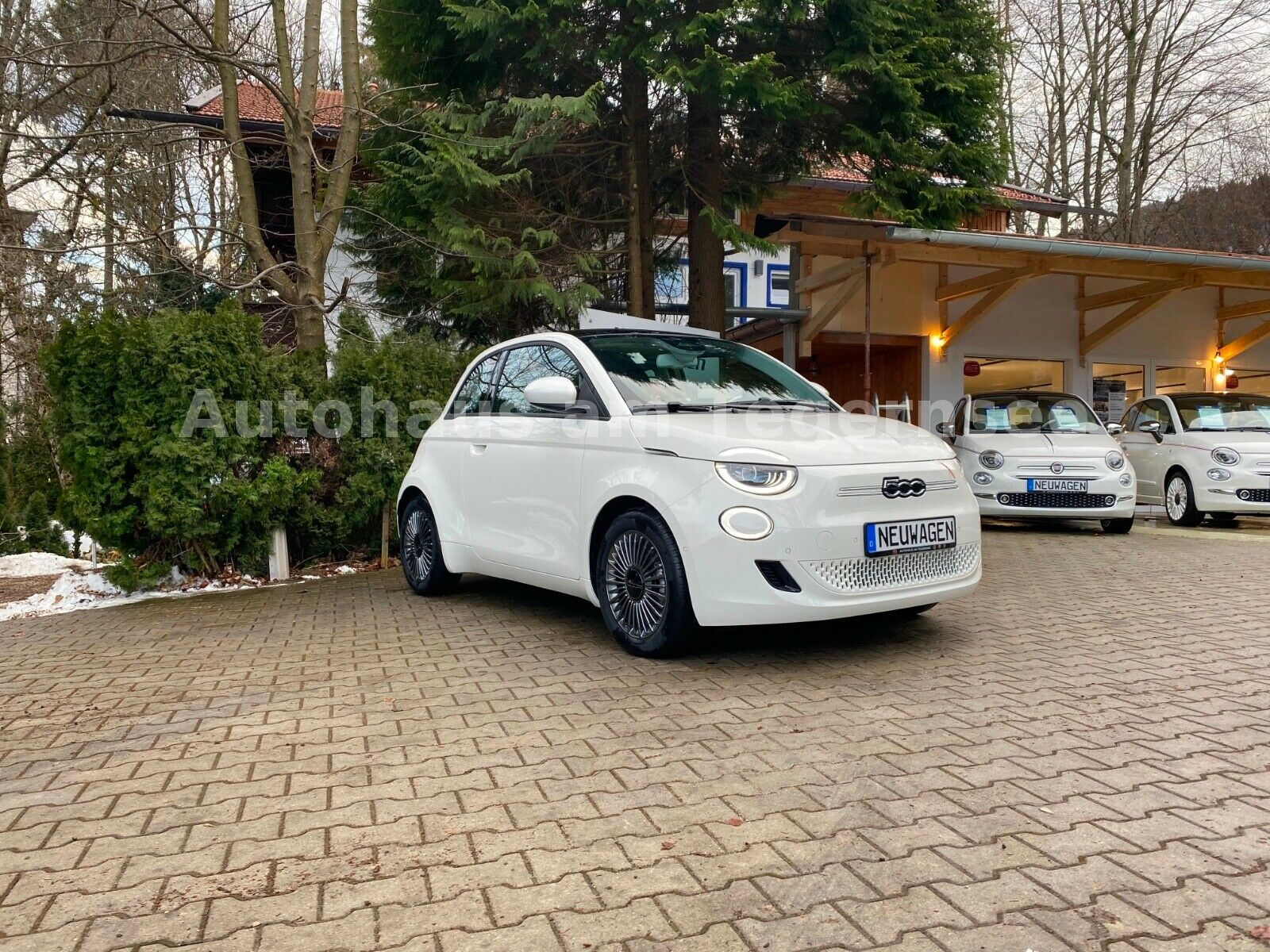 Fiat Neuer 500E Icon  Sky Dome
